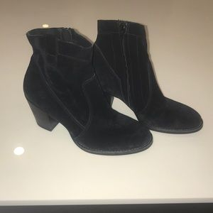 Paul Green Black Booties. Size:4.5 (US Size:7)